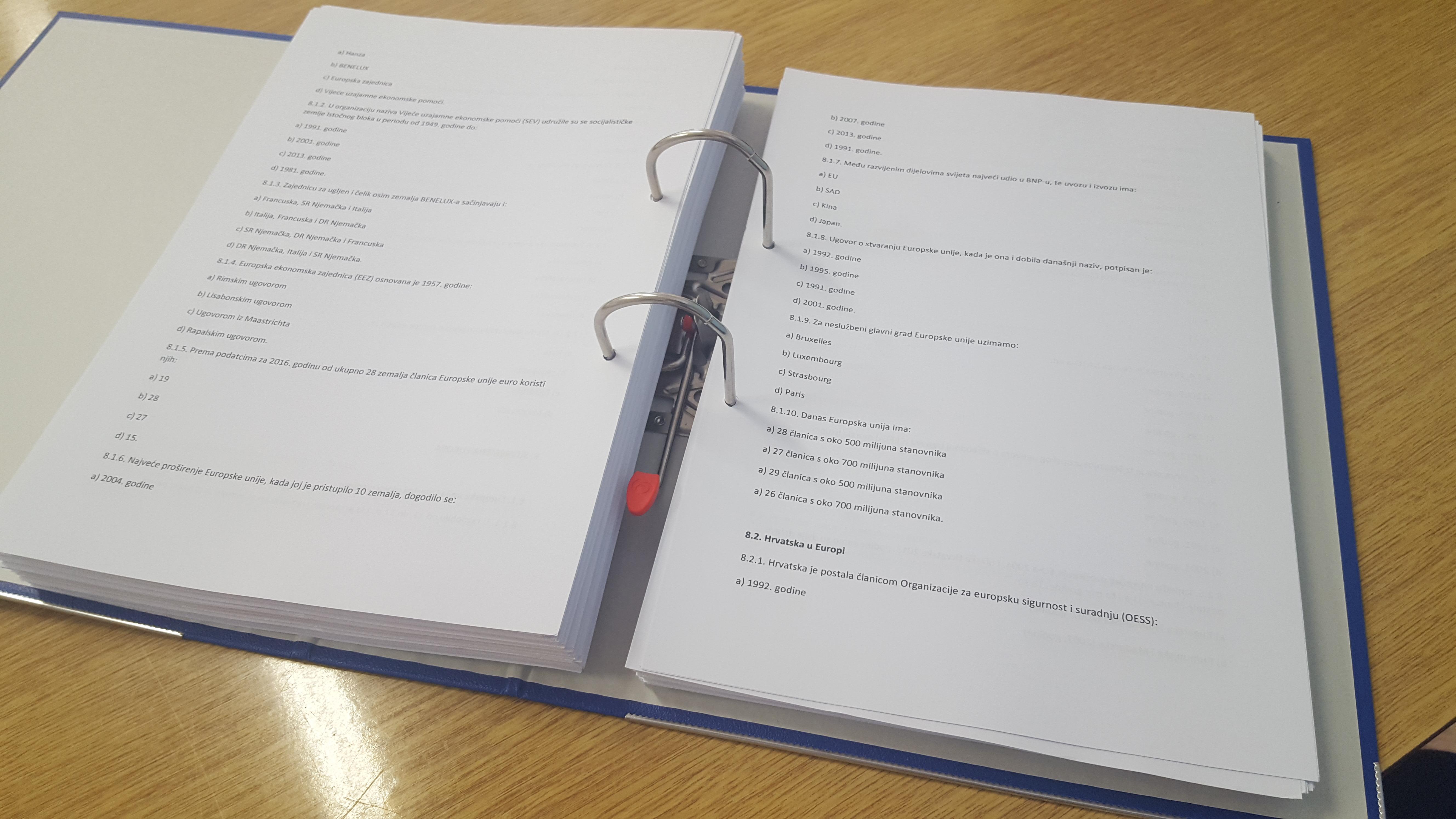 800 stranica s 4.000 pitanja i 16.000 odgovora